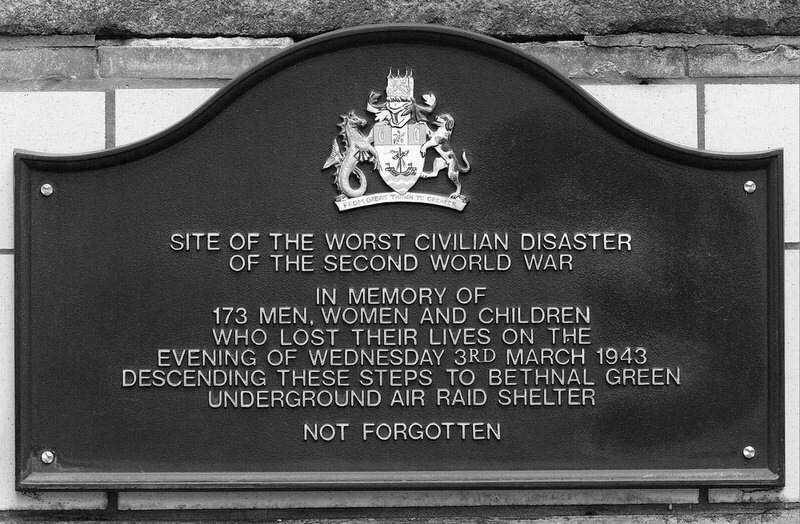 Bethnal-Green-Tube-Disaster-Plaque